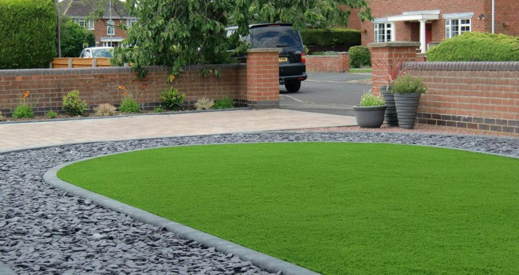 Driveway & Front Garden - Louth, Lincolnshire